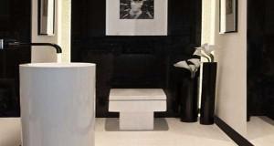 Un WC noir s'inscrit dans une déco des WC design. Avec du carrelage, de la peinture, des sanitaires, notre sélection déco WC où le noir se fait chic et original