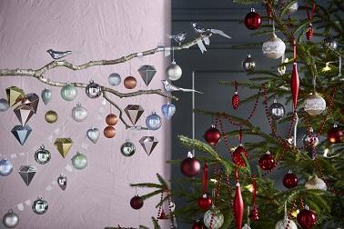 Douceur contemporaine ou chaleur traditionnelle, les nouveautés déco Ikea Noël 2015 surfent sur les deux styles. Voici 30 idées déco Ikea pour les fêtes.