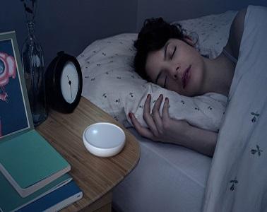L'objet connecté déco dodow n'est pas seulement design, il permet aussi et surtout de trouver le sommeil vite. Lumineux il régule la respiration et apaise les insomnies.