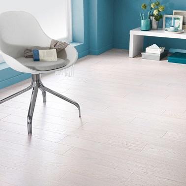 Parquet blanc le rev tement de sol bois blanchi c est chic for Revetement sol pour chambre