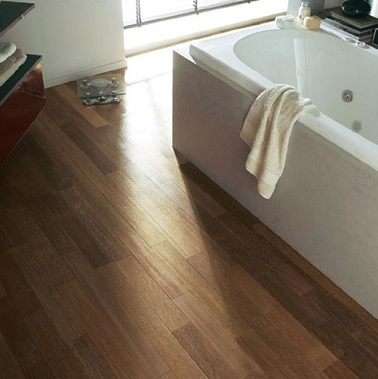 parquet flottant pour salle de bain great parquet. Black Bedroom Furniture Sets. Home Design Ideas