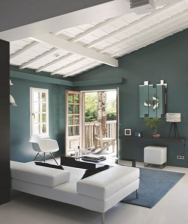 peindre un plafond avec une peinture couleur d co. Black Bedroom Furniture Sets. Home Design Ideas