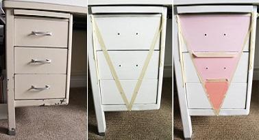 Pour ne pas avoir une couleur unie sur tout le bureau, on peint un dégradé en nuances pastel sur les tiroirs. Pour ce faire on colle du scotch de protection avant de peindre.