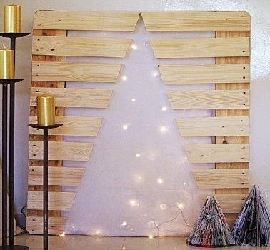Sapin de no l en bois 10 diy d co pour s 39 inspirer for Decoration palette en bois