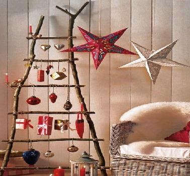 Contemporain, ce sapin de Noël échelle en bois n'a pas un look commun. Son design original réinvente complètement le sapin de Noël traditionnel.