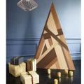 Un super sapin de Noël en bois au look moderne à réaliser en bois de marqueterie pour donner originale à la fête de Noël. Suivez les étapes pour faire ce sapin de Noël dans différentes teintes de bois avec ces photos commentées pas à pas.