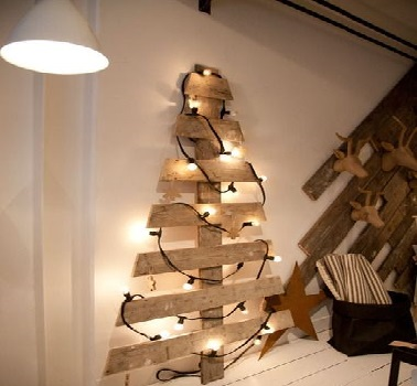 Sapin de no l en bois 10 diy d co pour s 39 inspirer - Creation decoration de noel ...