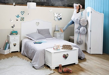 une chambre ado fille d co bleu r ve maisons du monde. Black Bedroom Furniture Sets. Home Design Ideas