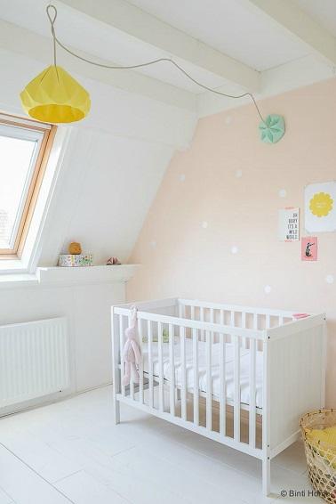 Les petites filles ne se lasseront pas de cette couleur rose pâle tendre dans leur chambre. Cette peinture à l'eau tendre apaisera tous les bébés et décorera leur chambre.