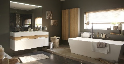 une salle de bain design avec baignoire ilot leroy merlin. Black Bedroom Furniture Sets. Home Design Ideas