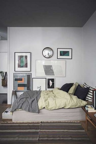 ambiance couleur d co cosy avec une chambre grise. Black Bedroom Furniture Sets. Home Design Ideas