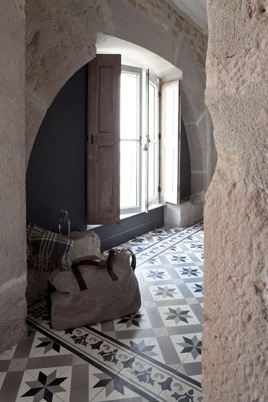 Carreaux de ciment un carrelage d co sans imitation - Coller du carrelage avec du ciment ...