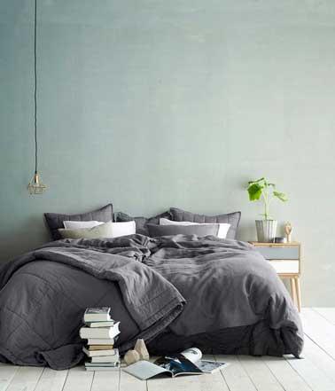 Une couleur pastel dans une chambre assure d'une ambiance douce et cosy qui apporte une note de féminité propice à la détente. Compléter de couleurs plus soutenue est important pour conserver une ambiance de chambre neutre