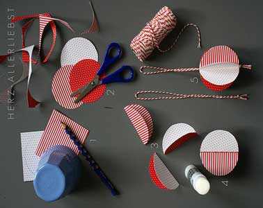 Diy d co fabriquer des boules de no l rouges et blanches for Fabrication decoration de noel