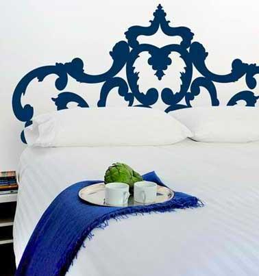 fabriquer une t te de lit en sticker bleu originale. Black Bedroom Furniture Sets. Home Design Ideas