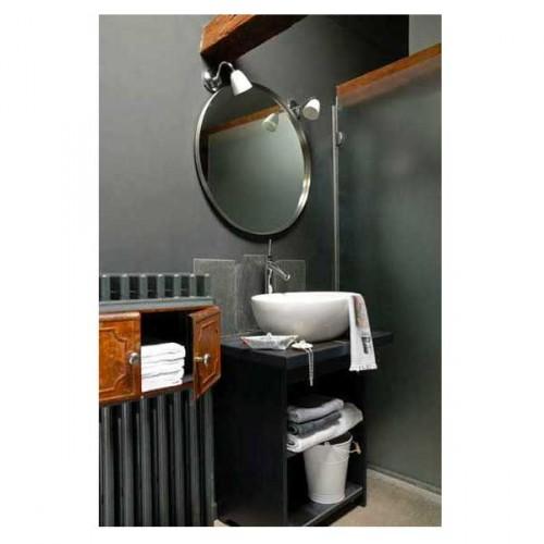 du gris anthracite et des poutres bois pour sublimer la déco d'une petite salle de bain avec plan vasque en pierre