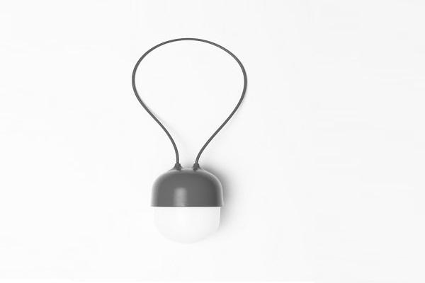 Un petit cadeau de Noël utile, une lampe nomade rechargeable.