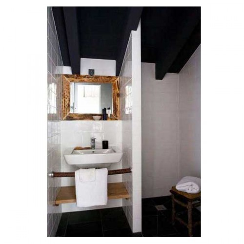 15 petites salles de bains pleines d 39 id es d co deco cool. Black Bedroom Furniture Sets. Home Design Ideas