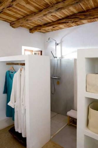 Petite salle de bains rangement cloison dressing deco - Petite cloison de separation ...