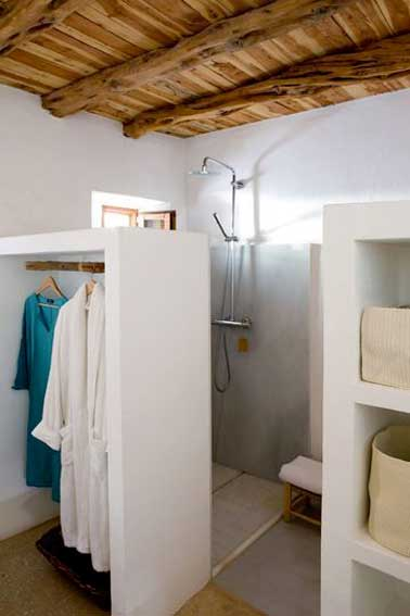petite salle de bains rangement cloison dressing deco
