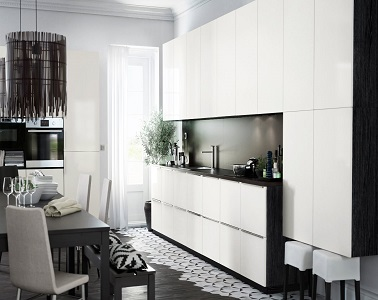 une cuisine am ricaine moderne blanche metod ikea. Black Bedroom Furniture Sets. Home Design Ideas