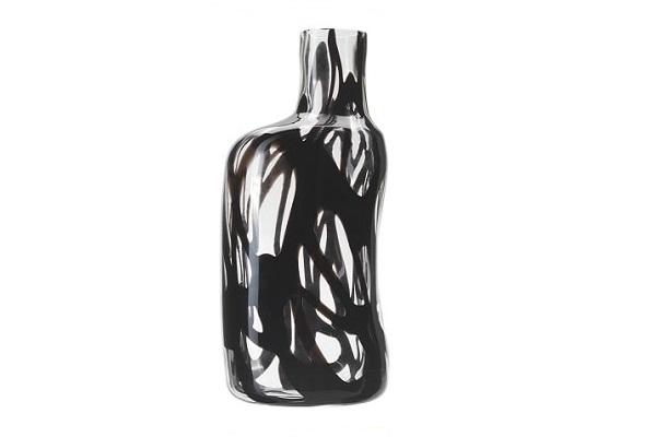Un vase design transparent avec décor noir pour offrir en cadeau à Noël.