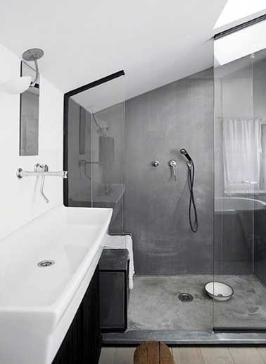 b ton cir sur carrelage gris dans douche italienne. Black Bedroom Furniture Sets. Home Design Ideas