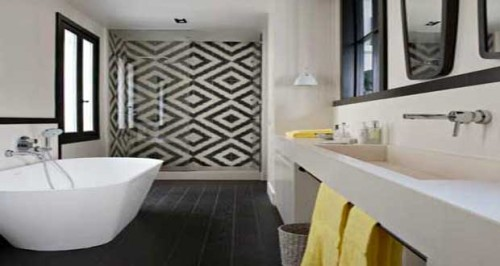 carreaux de ciment en sol et mural de salle de bain. Black Bedroom Furniture Sets. Home Design Ideas