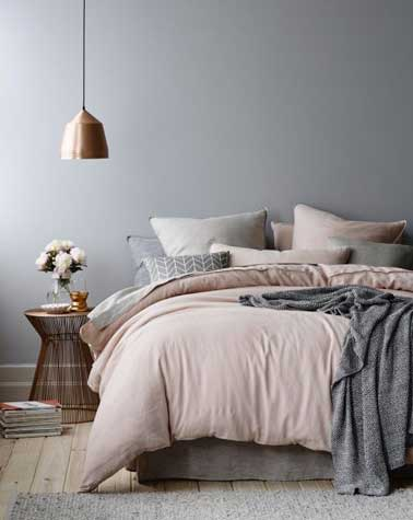 d co chambre rose poudre et gris. Black Bedroom Furniture Sets. Home Design Ideas
