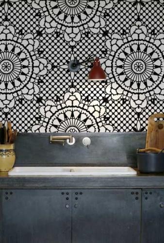 cr dence cuisine en papier peint lavable inspiration vitrail. Black Bedroom Furniture Sets. Home Design Ideas