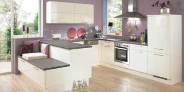 Design et couleur parme pour la cuisine ouverte for Couleur cuisine salon air ouverte