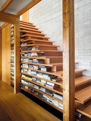 9 astuces pour am nager un espace fut sous l 39 escalier - Bibliotheque decoratie de maison ...