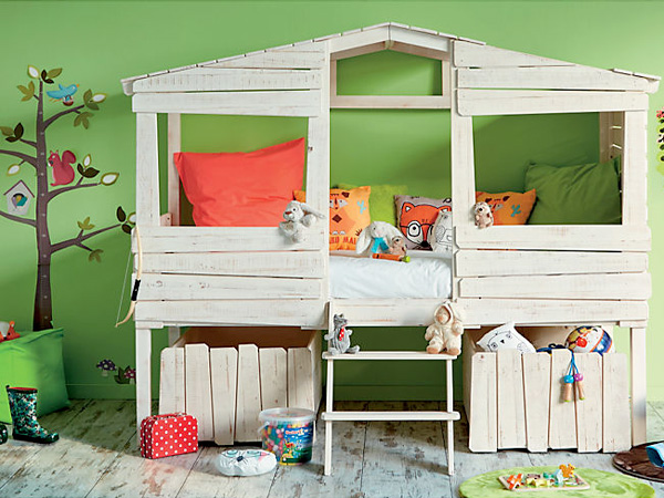 lit cabane pour enfant style bois en solde chez alinea. Black Bedroom Furniture Sets. Home Design Ideas