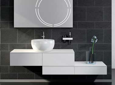 Meuble modulable dans petite salle de bain grise blanche - Meuble salle de bain marque italienne ...