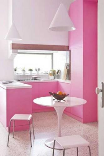 rangements et d co rose et blanc pour petite cuisine. Black Bedroom Furniture Sets. Home Design Ideas