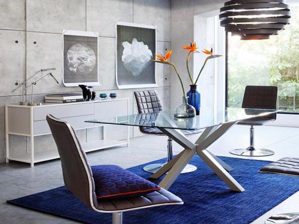 Table rectangulaire design en solde chez Fly