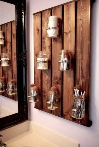 Astuce rangement de salle de bain avec palette bois - Astuce rangement produit salle de bain ...