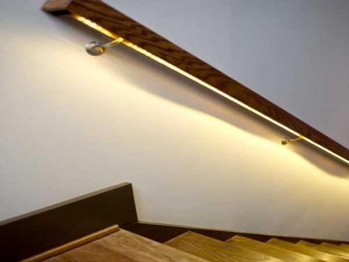 cage d 39 escalier en bois avec eclairage de rampe en led. Black Bedroom Furniture Sets. Home Design Ideas