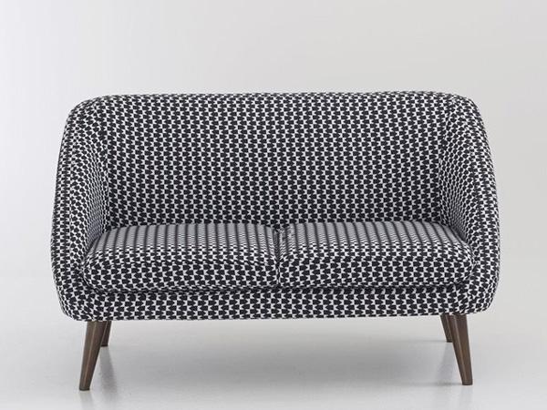Beau canapé Semeon, ultra confortable, 2 places, piètement fuselé, pour une déco du salon au style vintage, 312,10€ au lieu de 399€ (-22%)