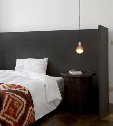 table de chevet design pas cher valdiz. Black Bedroom Furniture Sets. Home Design Ideas