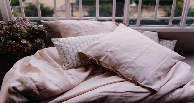 Pour ce printemps Monoprix lance une gamme de nouveautés dédiées à la déco maison en partenariat avec Lorafolk. Ainsi, linge de lit, coussins, vaisselle et autres objets s'animent de douces couleurs pastel pour embellir nos intérieurs