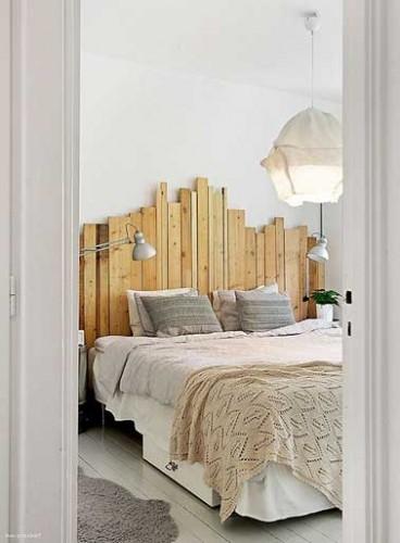 d co de chambre avec une t te de lit faite en palette bois. Black Bedroom Furniture Sets. Home Design Ideas