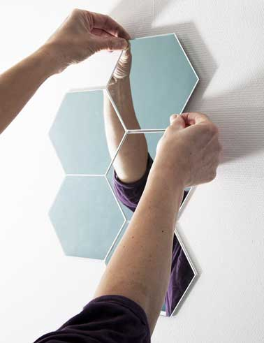 diy d co faire une d co murale avec des petits miroirs. Black Bedroom Furniture Sets. Home Design Ideas