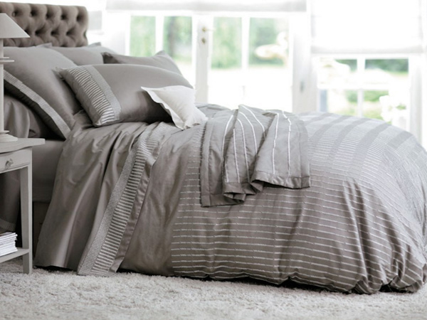 Super Housse de couette taupe en satin Carré Blanc Paris | XW79