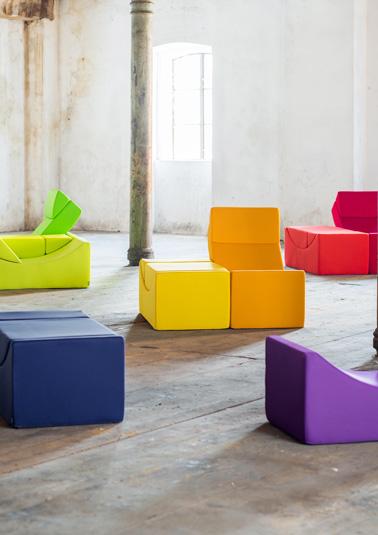 Des meubles modulables très colorés pour une multitude de possibilités d'association et un confort assuré dans la maison ou à l'extérieur !