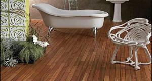 parquet salle de bain en teck pour accompagner la baignoire sur pied