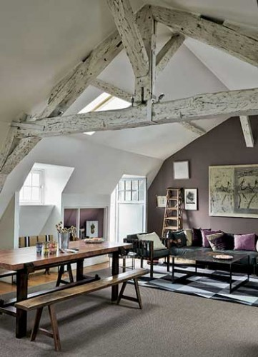 Peinture salon couleur aubergine pour d limiter l 39 espace - Les couleurs tendance pour un salon ...