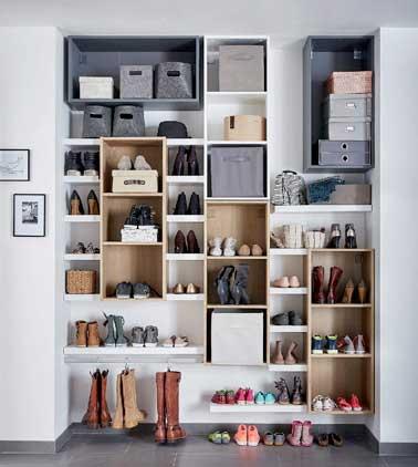Rangement chaussures sur mesure dans un renfoncement for Astuces de rangement maison