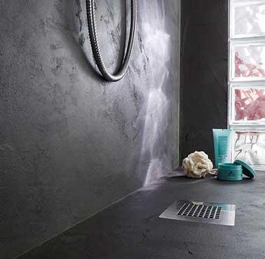 relooker une douche italienne avec du b ton min ral. Black Bedroom Furniture Sets. Home Design Ideas