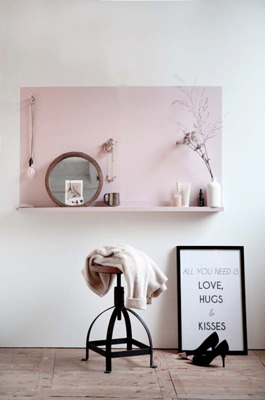 Une coiffeuse dans la chambre pour lib rer la salle de bain for Salle de bain dans une chambre